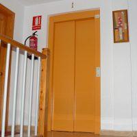 apartamentos-la-ribera-el-edificio-ascensor-02