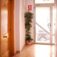 apartamentos-la-ribera-el-edificio-entrada-03-vista-interior