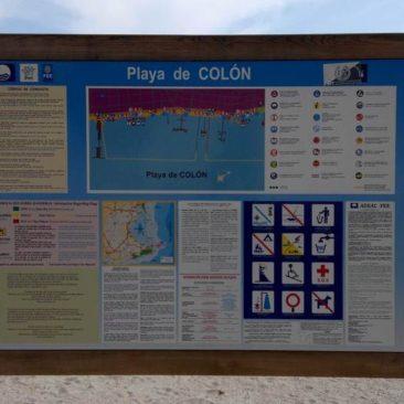 Cartel informativo - Playa de Colón